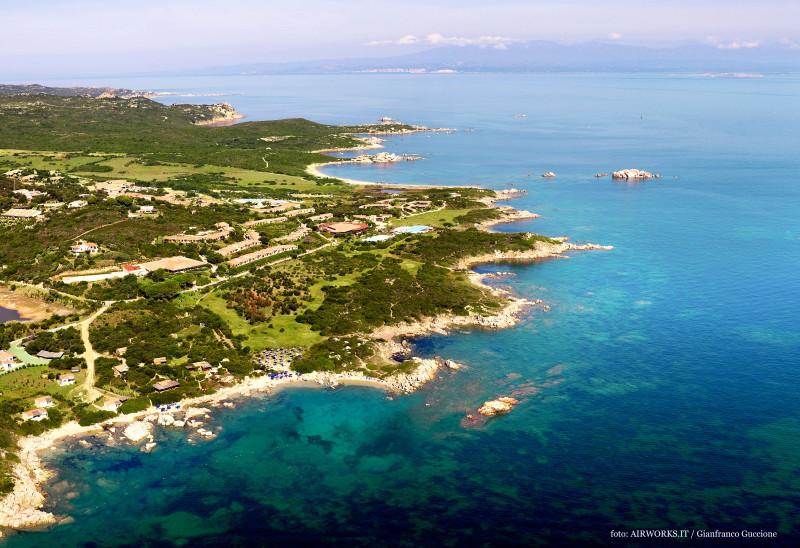 Valle dell'Erica 5***** – cliente Delphina – Sardegna – fotografata con drone e Canon 5D Mark III