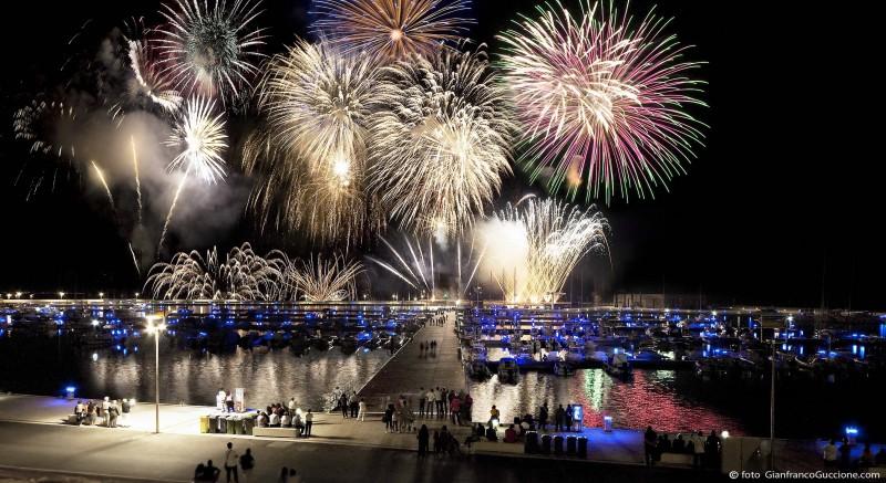 Fuochi d'artificio – Porto Turistico Marina di Ragusa