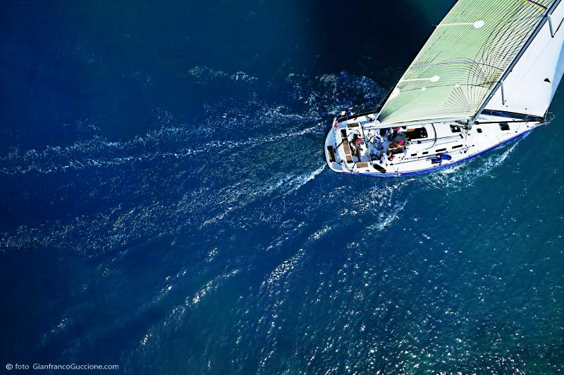 Barca a vela – fotografata con drone e Canon 5D Mark III