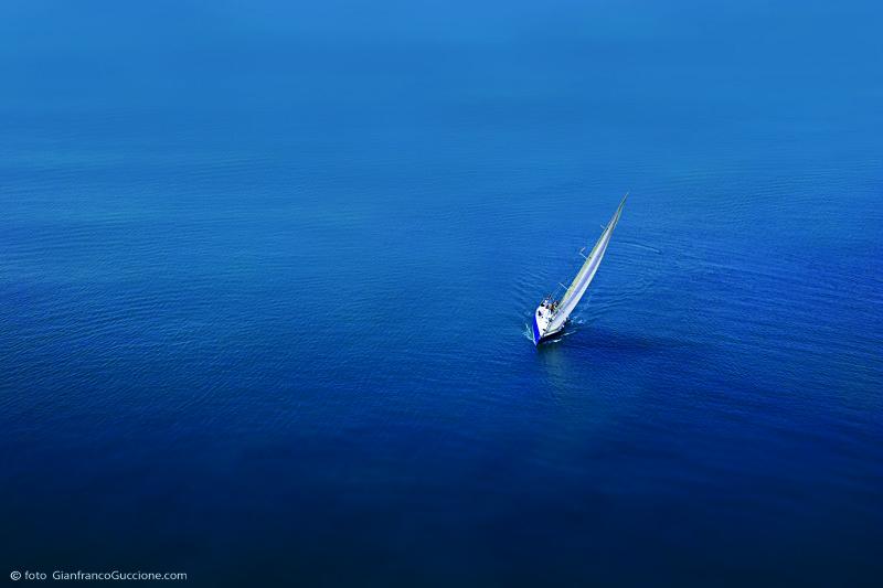 Barca a vela – fotografata con drone